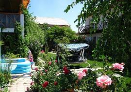 Зеленый дворик - Недорогой отдых в Крыму с детьми пансионат Николаевка